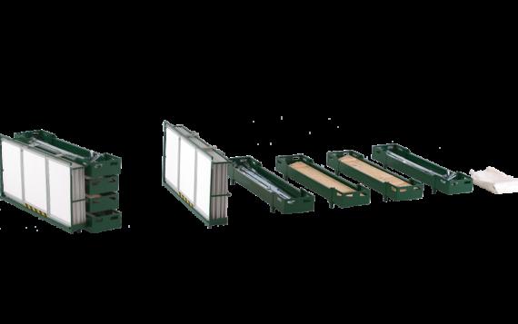 Einzelne Bestandteile der Transportbox für Bierstände. Die Transportbox kann zerlegt werden, sodass sie einfach transportiert werden kann.