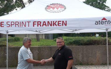 Weißer atento Faltpavillon von Bike Sprint Franken