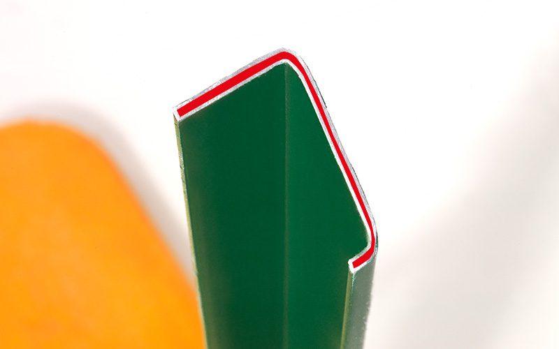 Querschnitt des C-Profils der Bierzeltgarnitur