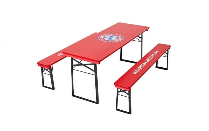 Die klassische Bierzeltgarnitur im FC Bayern München Design.