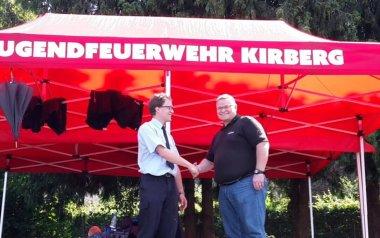 Zwei rote 6x3 m Faltpavillons der Jugendfeuerwehr Kirberg