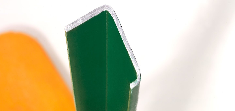 Untergestell von Bierzeltgarnituren quer geschnitten zur deutschlichen Darstellung des C-Profils.