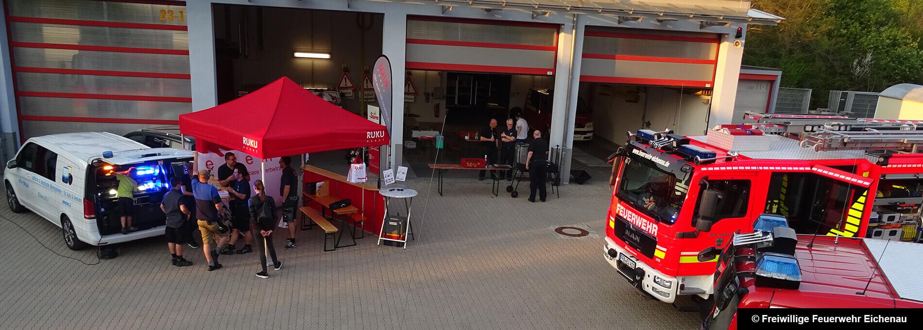 Roter Faltpavillon der Freiwilligen Feuerwehr Eichenau