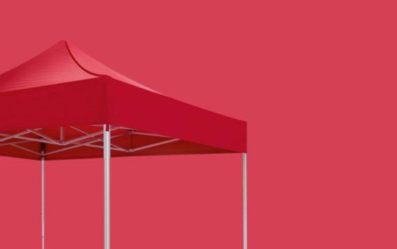 Roter atento Faltpavillon von RUKU in der Größe 3x3 m auf rotem Hintergrund.