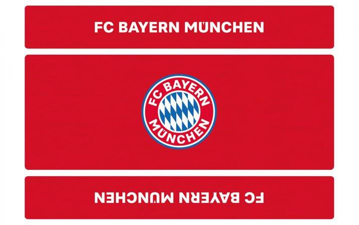 Draufsicht auf die klassische Bierzeltgarnitur im FC Bayern München Design.