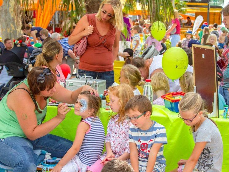 Kinderschminken bei den Summer Games in Limburg 2017.