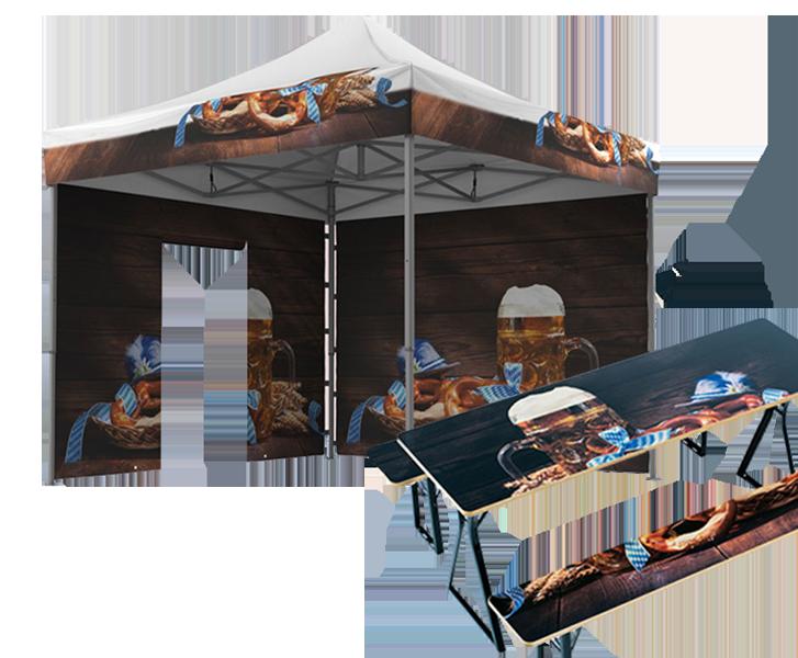 Vollflächig bedruckter Faltpavillon mit Oktoberfestmotiv und dazu eine vollflächig bedruckte Bierzeltgarnitur mit dem selben Motiv.