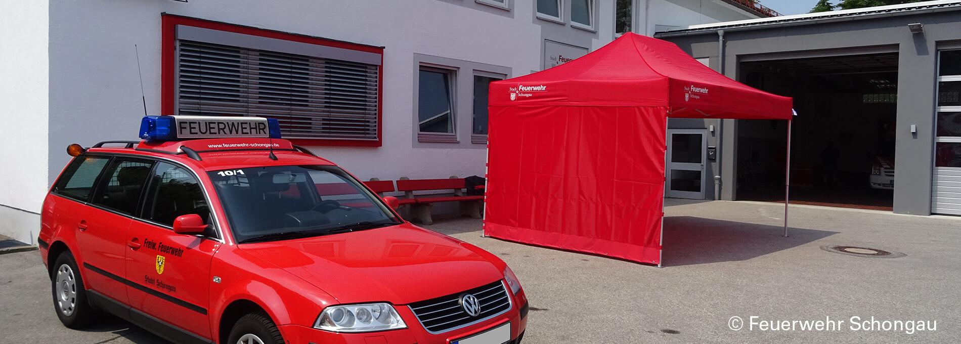 Roter Faltpavillon der Freiwilligen Feuerwehr Schongau