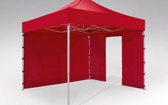 Roter Faltpavillon der Größe 3x3 m mit einer roten geschlossenen Seitenwand und einer roten Seitenwand mit Tür.