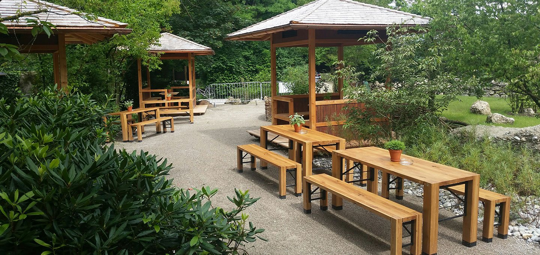 """""""Lago"""" Garnituren im Tao-Garten im Münchner Zoo."""